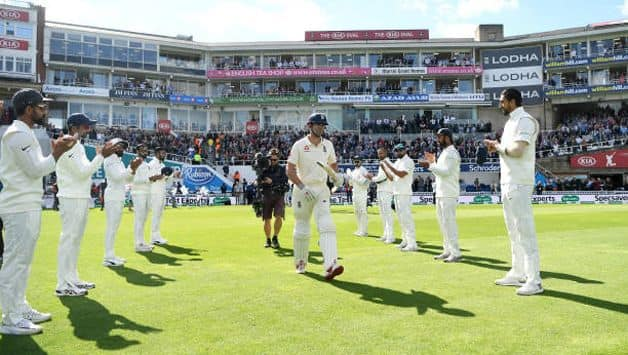 alastair cook receives guard of honour