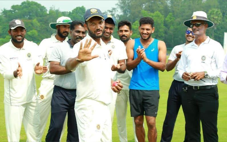 Ranji Trophy 2018-19, Elite B, Round 3, Day 2 : Jalaj Saxena hits century for Kerala against Bengal