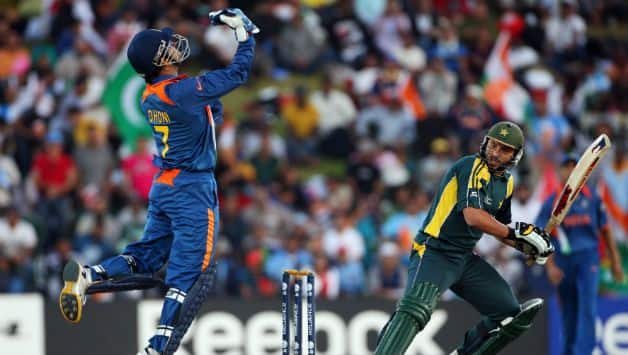 Shahid Afridi: Nobody has the right to tell MS Dhoni when to retire