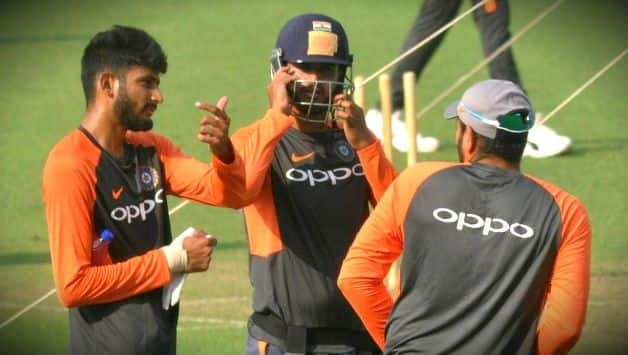 India vs Australia: kuldeep yadav shares photo with manish pandey