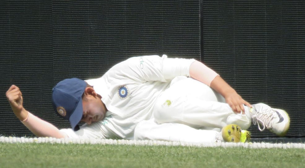 VIDEO: Prithvi Shaw injures left ankle, carried off SCG outfield