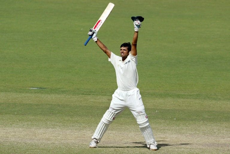 Rahul Dravid celebrates hitting the winning runs at Adelaide Oval