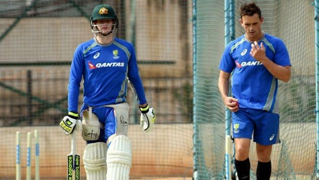 Steve Smith and David Warner help Australia bowlers combat Virat Kohli and others