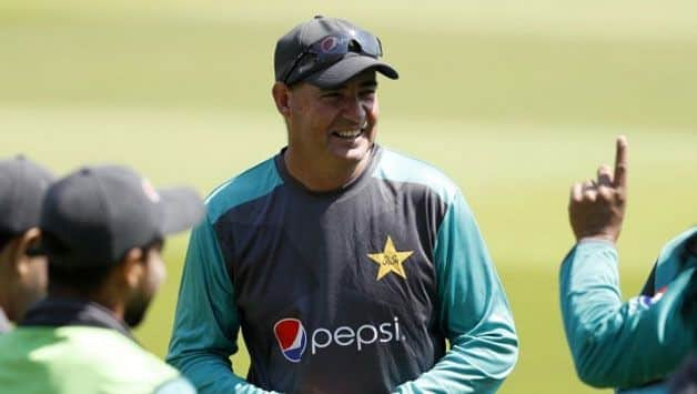 South Africa-born Arthur wants Pakistan to win on his home soil