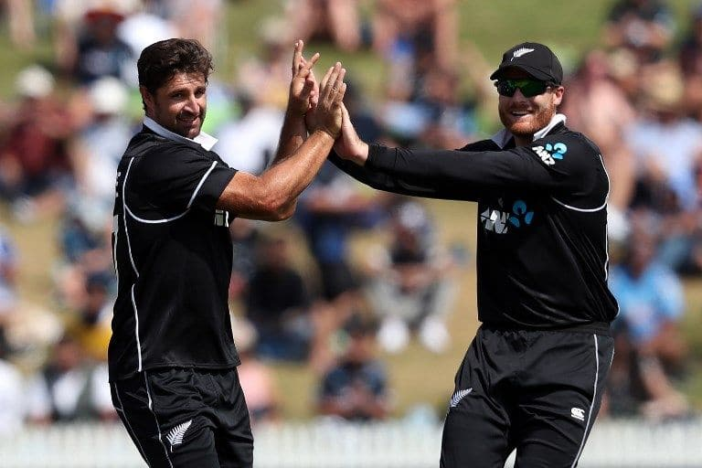 Colin de Grandhomme added to India's woes with 3/26.