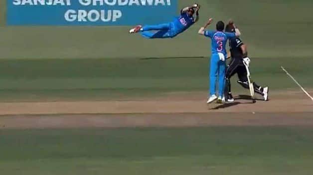 Hardik Pandya took a brilliant catch during the third ODI