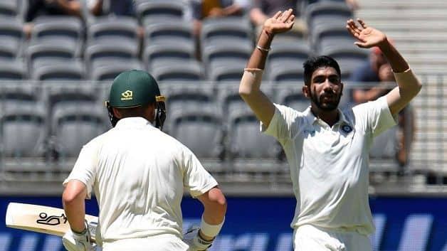 Hodge said that the Australian batsmen have let themselves down with a lack of Test cricket temperament and application. @ AFP