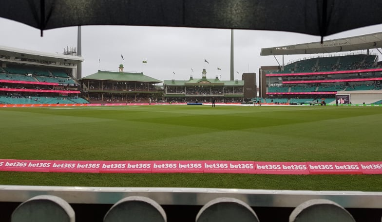 4th Test: Rain, bad light combine to delay start of day four at the SCG