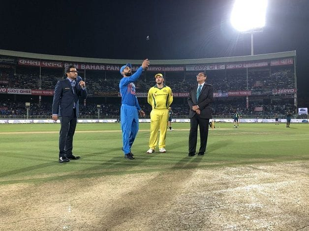 Kohli and Finch at toss