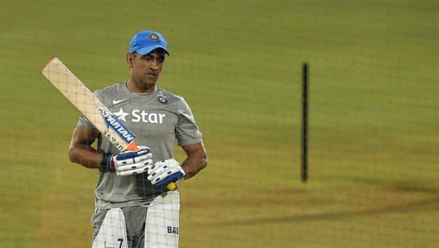 India vs Australia: MS Dhoni doubtfull for 1st ODI at Hyderabad