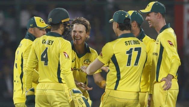 Australia beat Pakistan in 3rd ODI to clinch series