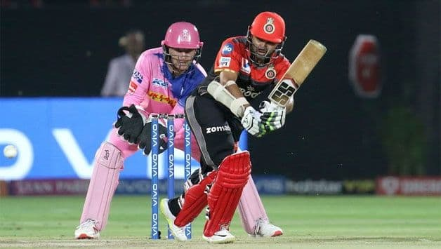 Parthiv fifty, lower order push RCB to 158 against Royals