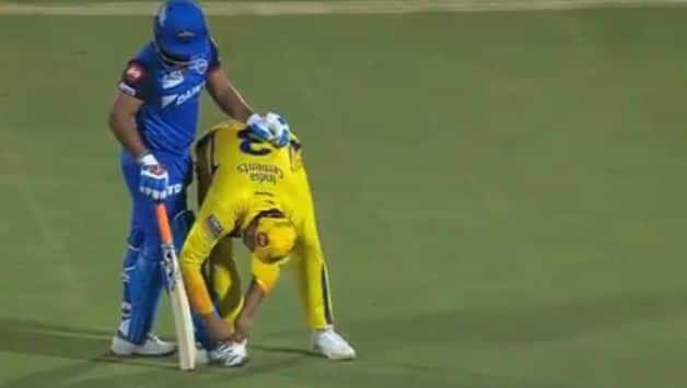 Fans hail Suresh Raina for tying Rishabh Pant's shoelaces during Chennai Super Kings vs Delhi Capitals, Qualifier 2