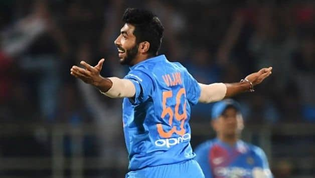 "Thomson praises ""unorthodox"" and ""different"" Bumrah"