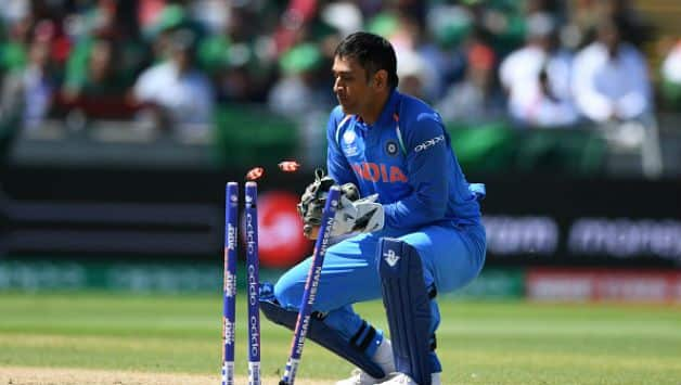 MS Dhoni is a magician behind the stumps, says Indian fielding coach R Sridhar