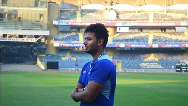 VIDEO: Rishabh Pant seen practicing with Team India ahead of Pakistan clash