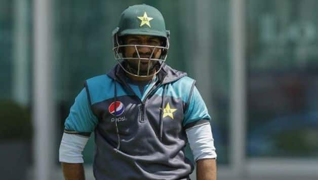 Sarfraz Ahmed urges angry Pakistan fans to stop World Cup abuse