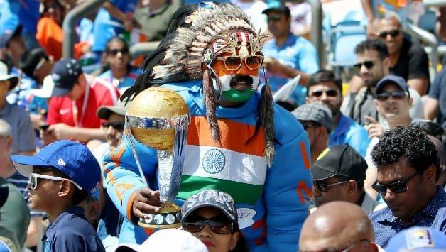 ICC CRICKET World Cup 2019: Fans perform 'havan' for victory of Indian cricket team in Varanasi