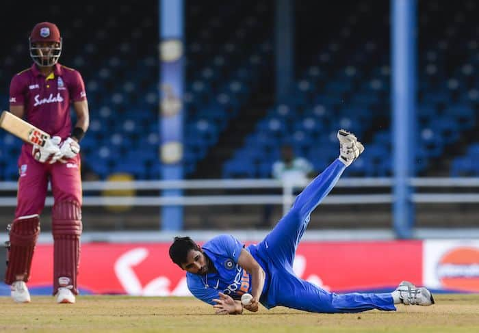 India vs West Indies 2nd ODI: Bhuvneshwar Kumar's stunning catch in double-wicket 35th over turns the game
