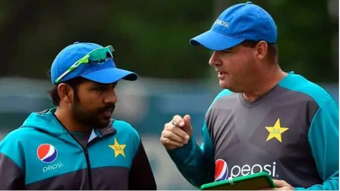 Micky Arthur demanded to remove Sarfaraz Ahmed from captaincy