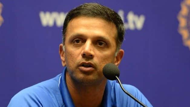 Rahul Dravid gets notice for conflict of interest