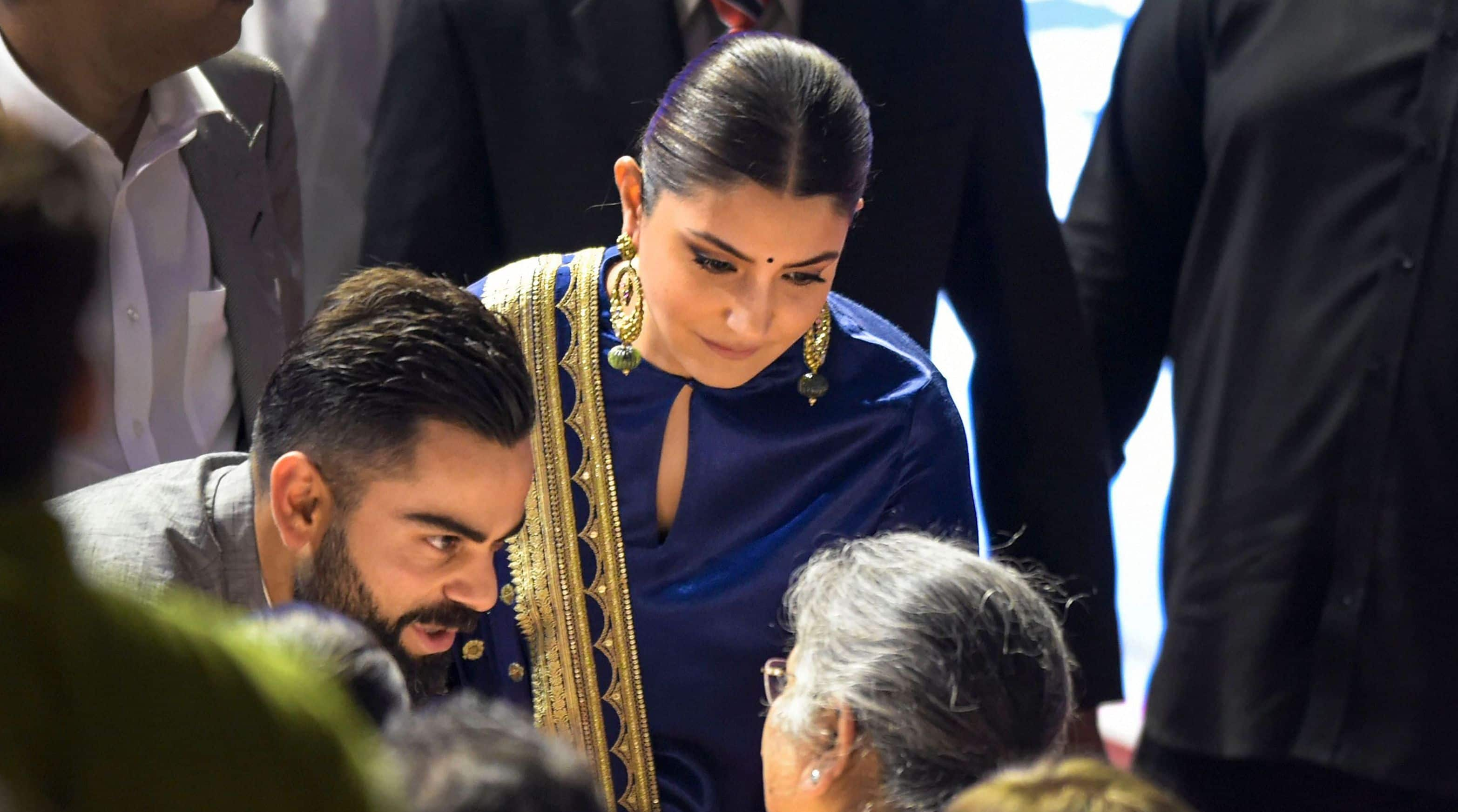 Virat Kohli, Anushka Sharma share an adorable moment during DDCA ceremony