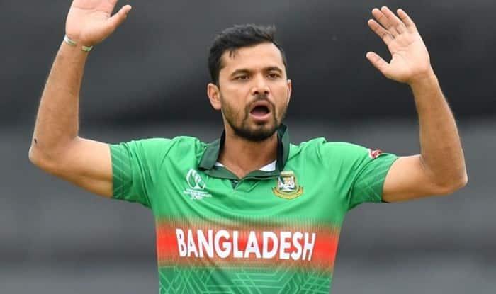 Mashrafe Mortaza gives up Bangladesh contract riches