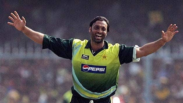 VIDEO: Pacer Shoaib Akhtar's Hilarious Response to child who Wants to Become Shahid Afridi