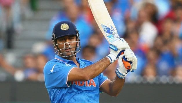 When MS Dhoni Surprised to see Sushant Singh Rajput's Helicopter Shot