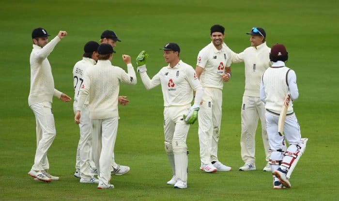 HIGHLIGHTS ENG vs WI 3rd Test, Day 2 Manchester: Anderson, Broad Strike to Put England Ahead; Windies 137/6