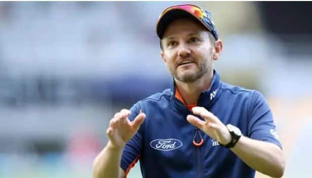 IPL 2020: A score of 150-160 on UAE tracks will be good; Says Mike Hesson
