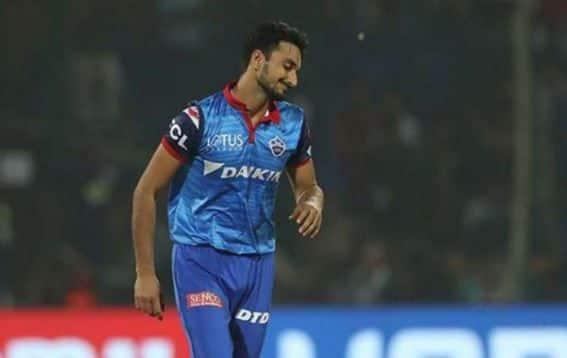 आईपीएल 2021 से पहले हर्षल पटेल को ट्रेड के माध्यम से दिल्ली कैपिटल्स से रॉयल चैलेंजर्स बैंगलोर में शामिल किया गया।