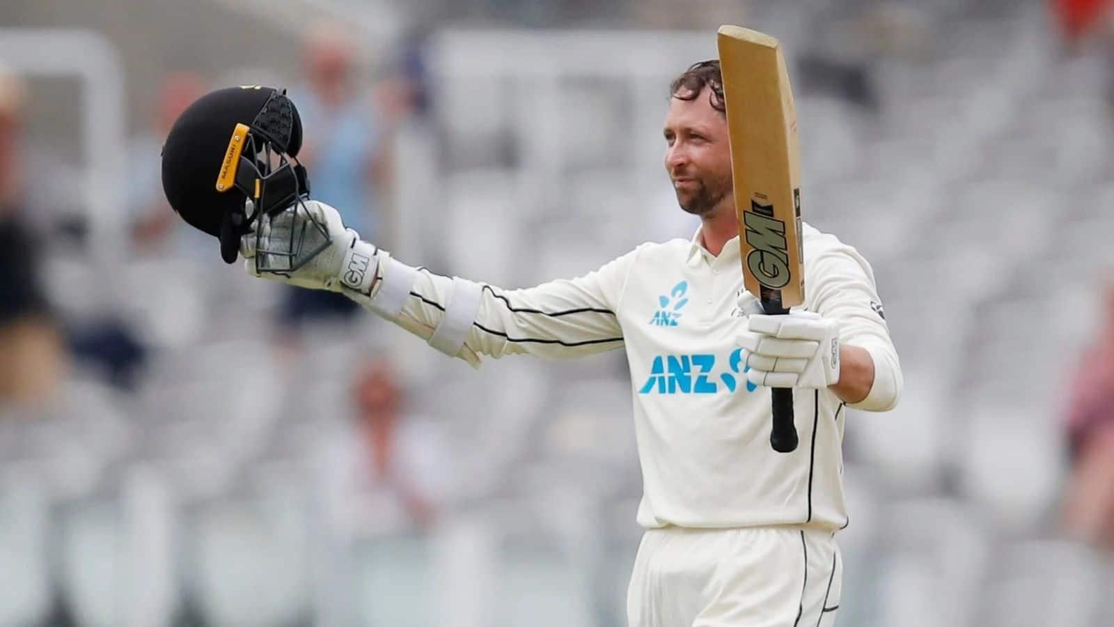 सलामी बल्लेबाज डेवोन कॉन्वे डेब्यू टेस्ट में दोहरा शतक ठोकने वाले न्यूजीलैंड के दूसरे बल्लेबाज बन गए हैं.