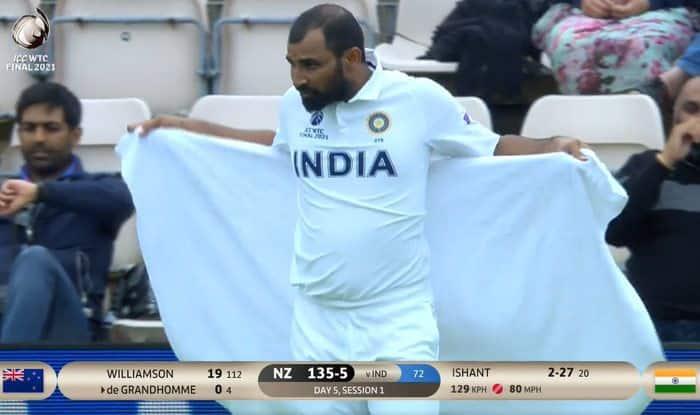 वर्ल्ड टेस्ट चैंपियनशिप के फाइनल में न्यूजीलैंड की टीम दबाव में दिख रही है तो इसका श्रेय तेज गेंदबाज मोहम्मद शमी को जाता है.