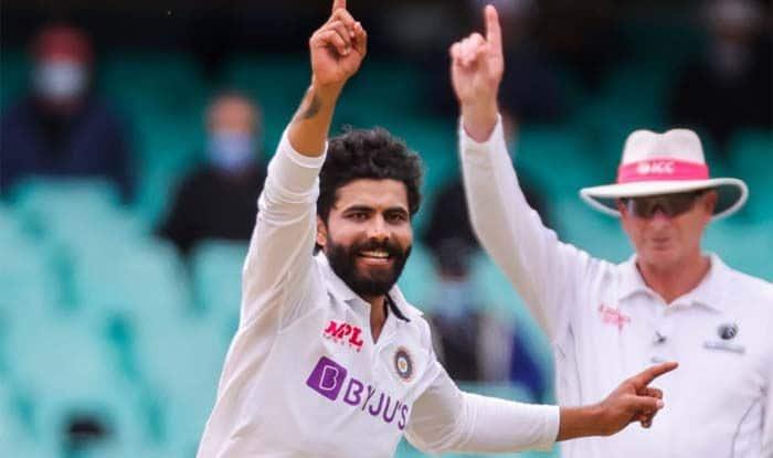 इंग्लैंड और न्यूजीलैंड के बीच खत्म हुए पहले मैच के बाद आईसीसी की ताजा टेस्ट रैंकिंग सामने आई। भारतीय टीम के ऑलराउंडर रवींद्र जडेजा को इसमें खासा फायदा हुआ है। जड्डू अब ऑलराउंडर्स की श्रेणी में दूसरे स्थान पर आ गए हैं।