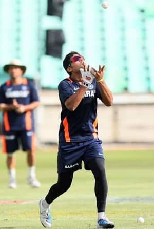 Vijay fit, Munaf doubtful for first Test