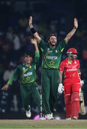 5-for Afridi stars in Pakistan win over Canada