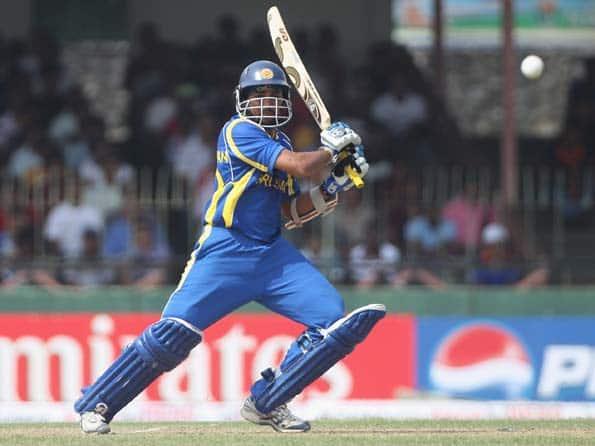 Dilshan falls after scoring 50, Sri Lanka assume control