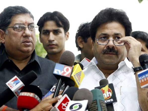 BCCI bows to Sahara, agrees to demands