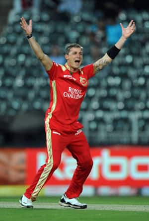 Botha shines as Rajasthan thump Deccan by 8 wickets