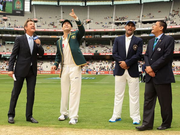 Australia elect to bat against India in first Test at Melbourne