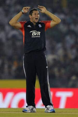 Tim Bresnan fined for showing dissent during the third ODI at Mohali