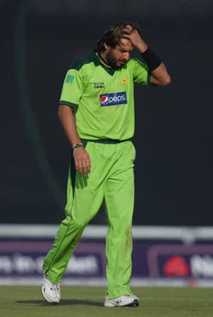 Pakistan President disappoints Afridi, no decision on former captain's return