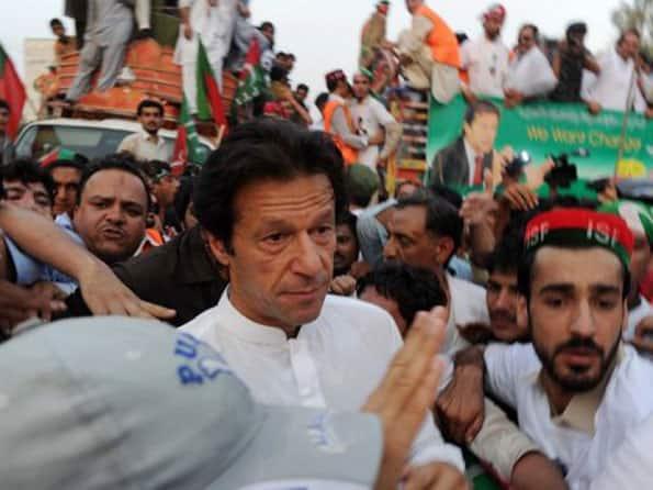 cricket legend imran khan - 595×446
