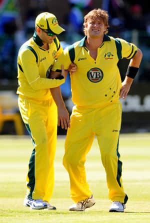 Michael Clarke hopes Shane Watson will get fit before third ODI