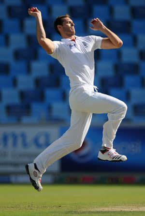 Chris Tremlett returns to England due to back injury
