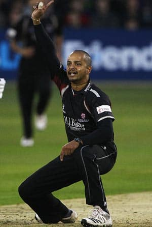 It's easier to bowl with the new ball: Murali Kartik