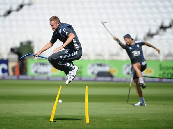 ICC World T20 2012: England opt to field against India in Group A clash at Colombo