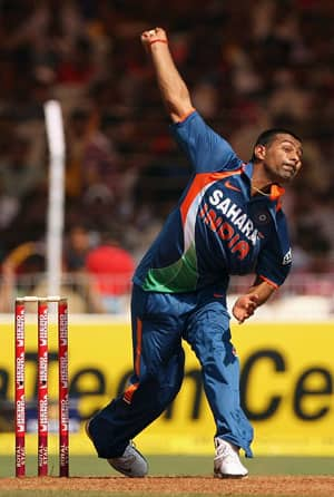 Mithun to replace injured Praveen for first three ODIs