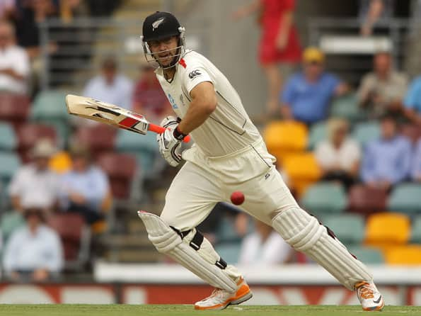 Australia lose Warner early after New Zealand post 295